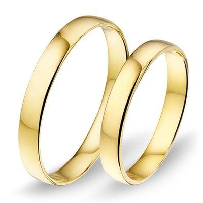 Trouwringen in 8 karaat 333 geel zonder diamant(en) per paar