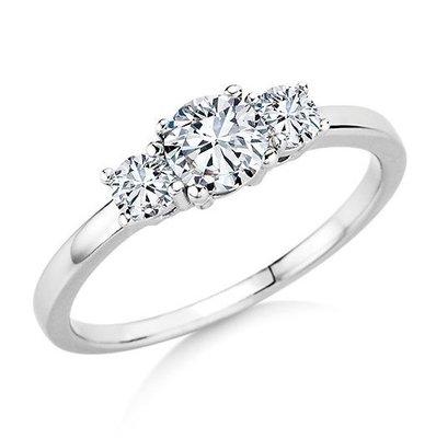 Verlovingsring in 14 karaat 585 witgoud met diamanten vanaf