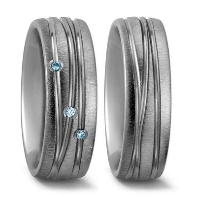 Trouwringen in Titanium met blauwe diamant(en) per paar