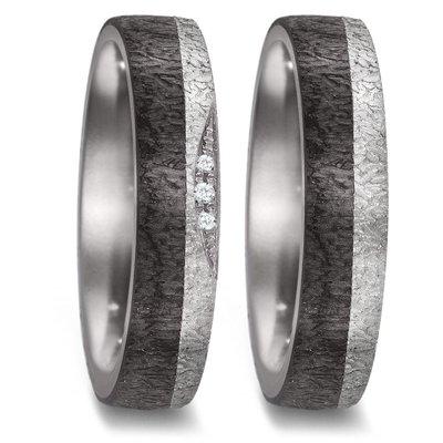 Trouwringen in donkergrijs Tantalium en zwart Carbon met diamant per paar